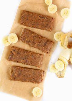 Banana Peanut Butter Copycat Larabars - Feasting on Fruit Low Fat Vegan Recipes, Healthy Vegan Snacks, Vegan Breakfast Recipes, Vegan Sweets, Healthy Desserts, Raw Food Recipes, Snack Recipes, Healthy Protein, Happy Healthy