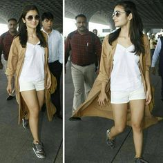 Alia Bhatt snapped in a casual look at the airport