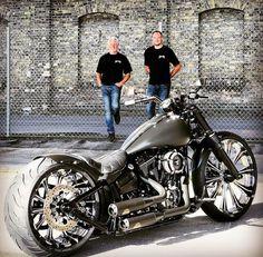 Harley Davidson News – Harley Davidson Bike Pics Motos Bobber, Bobber Bikes, Cool Motorcycles, Harley Softail, Harley Bikes, Harley Davidson Motorcycles, Custom Street Bikes, Custom Bikes, Vespa Scooter