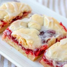 Easy Cherry Pie Bars recipe from The Country Cook- These will melt in your mouth! These cherry pie bars are tasty and pretty! A homemade dessert that is easy to make and slices up and serves perfectly! Use your favorite pie fillings! Homemade Cherry Pies, Homemade Desserts, Easy Desserts, Homemade Pie, Easy Delicious Desserts, Easy Dessert Bars, Sweet Desserts, Cherry Pie Bars, Blueberry Pie Bars