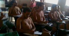 Alunos protestam sem camisa contra o calor dentro da Uerj