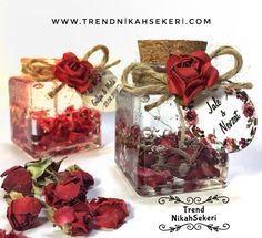 Jel-mum-nikah-şekeri (kırmızı gül tomurcuklarıyla süslü jel mum modeli)