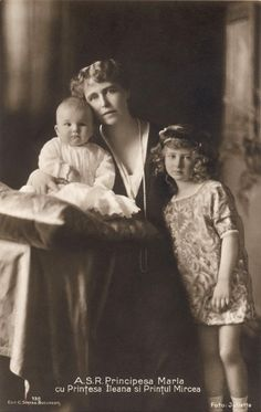 Crown Princess Marie of Romania with Prince Mircea and Princess Ileana, 1913 Romanian Royal Family, Greek Royal Family, Queen Victoria Albert, Princess Victoria, Michael I Of Romania, Princess Alexandra, Ferdinand, Vintage Photographs, Vintage Photos
