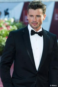 Tom Welling!! Gorgeous!!