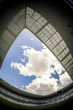 https://flic.kr/p/HRdNr3 | Stade Matmut Atlantique Variation5 | www.fotografik33.com www.visite-virtuelle33.fr/   Le stade Matmut Atlantique, est le stade multifonctions de Bordeaux (France), inauguré le 18 mai 2015. D'une capacité de 42 115 places, il est le sixième stade français en nombre de places assises. Le nouveau stade accueille les matchs de football des Girondins de Bordeaux. Il recevra également des rencontres du championnat d'Europe de football 2016 (EURO 2016).   The Nouveau…