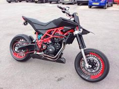 Husqvarna Nuda 900 Urban Racer Project Little too much red, remove the red headers and yeah