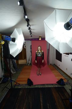 Learning about different lighting options in your photo studio? Check out these tips for continuous lighting!
