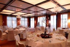 Seerose Resort & Spa mit festlichem Bankett -  einer toller Hochzeitsfeier im Elements Saal.