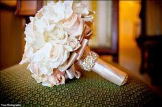 wedding bouquet gold - Cerca con Google