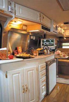 great-west-vans-sprinter-legend-class-b-motorhome-2008-interior.jpg