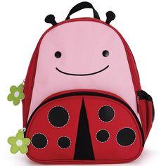 Le sac à dos enfant Zoo par Skip Hop permet de transporter les affaires de bébé ainsi que son goûter ou repas. L'enfant aura tout à portée de main.