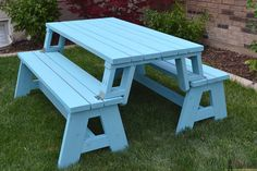 This is a dual purpose picnic table. Not only is this picnic table great for outdoor eating, but it easily converts into two cute garden benches. The picnic table's top folds down to create the back of the bench, for a relaxing seat. Folding Picnic Table Plans, Picnic Table Bench, Modern Outdoor Furniture, Diy Furniture, Furniture Plans, Kallax Ikea Hack, Outdoor Projects, Wood Projects, Diy Bank