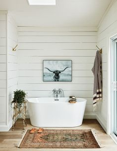 A tub sits in an alcove of the principal bedroom offering a view of the lake. A skylight was placed above for stargazing.   Photographer: Stacey Brandford   Designer: Sam Sacks Bathroom Renos, Small Bathroom, Dream Home Design, House Design, Cottage Design, Bath Remodel, Bathroom Interior Design, Bathroom Inspiration, Cabana