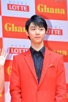 【フォトレポート】羽生結弦選手……真っ赤なジャケットスタイル