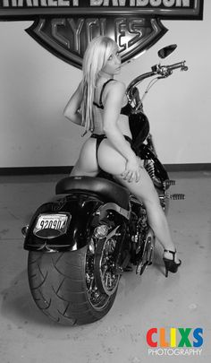 Harley Davidson Motorcycle Biker Babe. Boudoir Photographer in Washington. Boudoir Photography. CLIXS PHOTOGRAPHY Lady Biker, Biker Girl, Boudoir Photographer, Boudoir Photos, Glamour Photographers, Cool Motorcycles, Hot Bikes, Biker Chick, Model Pictures