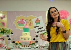 Chá da Fê - Plaquinhas Reais e arte do painel com logo desenvolvida para o evento.