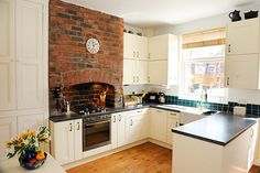 Cream Shaker Terrace Kitchen - Sheffield Sustainable Kitchens