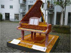 piano décoré