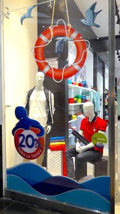 Detalle vitrinismo tienda multimarca Eleganza, Bucaramanga-Colombia. #elitvisualsas #enpinterestnosvamejor Window, Display, Website, Glass Display Case, Bucaramanga, Industrial Design, Innovative Products, Store, Colombia