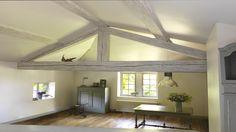 Sur les poutres, portes et lambris le badigeon est le produit idéal de rénovation des bois de la maison lorsque l'on veut leur donner une touche moderne empreinte du charme de la décoration d'antan. Sur tous ces supports, la mode du bois verni c'est du passé, ça assombrit la pièce et