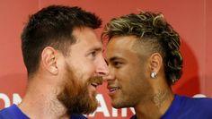 Неймар (справа) хочет выйти из тени своего партнера по «Барселоне» Лео Месси