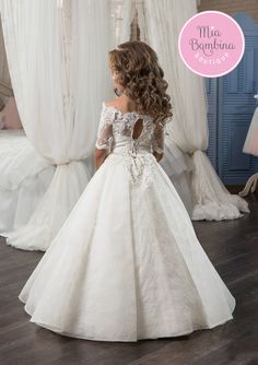 High quality hand-made dresses for girls for whole spectrum of special ocasions: flower girl dresses, first communion dresses, birthday party dresses. Little Girl Wedding Dresses, Cute Flower Girl Dresses, Little Girl Dresses, Girls Dresses, Kids Gown, First Communion Dresses, The Dress, Fancy Dress, Beautiful Dresses