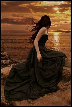 I am waiting for you by the sea clothes fantasy Fantasy Magic, Gothic Fantasy Art, Beautiful Dark Art, Beautiful World, Love Pictures, Beautiful Pictures, Photo Glamour, Fantasy Photography, Dark Gothic