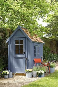 34 Inspiring Backyard Storage Shed Makeover Design Ideas Backyard Storage Sheds, Backyard Sheds, Shed Storage, Storage Ideas, Outdoor Storage, Extra Storage, Painted Garden Sheds, Painted Shed, Wooden Garden
