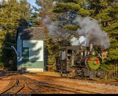 RailPictures.Net Photo: WW&FRy 10 Wiscasset Waterville & Farmington Steam 0-4-4T at Alna, Maine by Kevin Madore