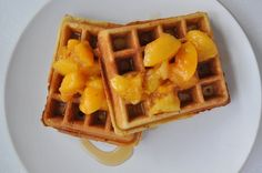 crispy almond waffles & hot buttery peaches | Eat the cookie!