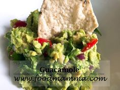 Easy and tasty guacamole! How To Make Guacamole, Snack Recipes, Snacks, Great Appetizers, Taco Tuesday, Vegetable Dishes, Chips, Mexican, Vegetarian