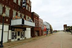 Cairo, Illinois was once a bustling city. Now the streets are barren and the businesses are shuttered. Learn the tragic history of this abandoned town. Abandoned Cities, Abandoned Houses, Old Houses, Abandoned Mansions, Creepy Ghost, Creepy Facts, Into The Fire, Southern Illinois, Haunted Places
