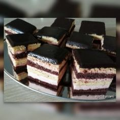 Méteres kalács kocka formában | Betty hobbi konyhája Sweet Recipes, Food To Make, Cheesecake, Good Food, Dessert Recipes, Food And Drink, Cooking Recipes, Tiramisu, Sweets