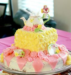 5 year old girl birthday Tea Party - this would be perfect for Brylie party..can anyone make this?