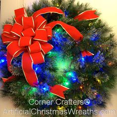 Holiday Crafts: Easy and Fun, DIY Gifts and Dcor Ideas for Christmas (Holidays & DIY Gifts) - My Cute Christmas Large Christmas Wreath, Christmas Front Doors, Spode Christmas Tree, Christmas Signs Wood, Rustic Christmas, Christmas Holidays, Diy Holiday Gifts, Holiday Crafts, Diy Gifts