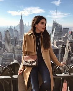 Shop the Look from Brittany Xavier on ShopStyleThis view never gets old 🙌🏻 HANNAH READ mode New York Outfits, New York Pictures, New York Photos, New York Photography, Photography Poses, Travel Photography, Fashion Photography, Fashion Mode, New York Fashion
