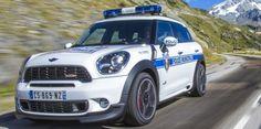 La police municipale de Val Thorens en Mini Countryman ALL4
