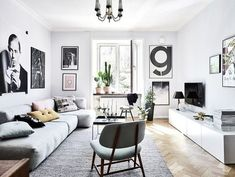 Cool 43 Cozy Livingroom Ideas With Black And White Style. More at http://www.dailypatio.com/2017/12/23/43-cozy-livingroom-ideas-black-white-style/