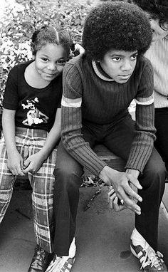 Michael and janet jackson before body  dysmorphic disorder ruined michael's life The Jackson Five, Jackson Family, Janet Jackson 80s, Black Is Beautiful, Beautiful People, Familia Jackson, New School Hip Hop, The Jacksons, Gene Kelly