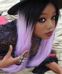 sweet black girl hair w black n lilac hair killer cool :) Ombre Hair Roxo, Pastel Ombre, Ombré Hair, Goth Hair, Pastel Goth Fashion, Lilac Hair, Lavender Hair, Alternative Hair, Hair Color Dark
