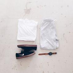 PJ - MG - FASHION : 4 RAZY NA TAK!!!!!! Pj, Elegant, Blog, Fashion, Classy, Moda, Chic, Fashion Styles, Fashion Illustrations