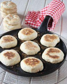 Plättbröd No Bake Desserts, Dessert Recipes, Wine Recipes, Cooking Recipes, Toddler Finger Foods, Brunch, Swedish Recipes, Food Goals, Bread Baking