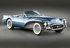 1954 Buick Wildcat II Concept Written by Bill Bowman The 1954 Buick Wildcat II concept, designed by Harley Earl's design team, made its public debut at the 1954 General Motors Motorama in New York. 1955 Chevrolet, Bmw Classic Cars, Classic Trucks, Custom Trucks, Custom Cars, Maserati, Lamborghini, Ferrari, Dream Cars