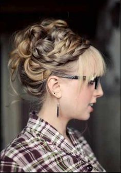 great hair hair Bangs How do i get my hair to look like THIS! Braided Hairstyles Updo, Braided Updo, Summer Hairstyles, Pretty Hairstyles, Girl Hairstyles, Hair Updo, Hairstyle Ideas, Style Hairstyle, Milkmaid Braid