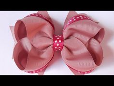 Boutique com spikes - YouTube Ribbon Hair Bows, Diy Hair Bows, Ribbon Art, Diy Hairstyles, Wedding Hairstyles, Vintage Flowers, Diy Fashion, Hair Bow Tutorial, How To Make Bows