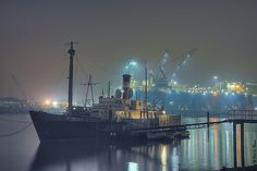 Oude tonnenlegger Spica is in Schiedam het onderkomen van de Zeekadetten.  Schiedam Netherlands, the ship is a scouts base.