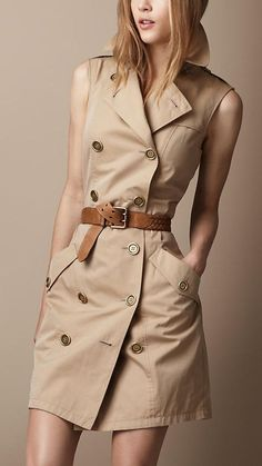 Burberry sleeveless trench dress Forever known for its trench coats why not carry the legacy forward by chopping out the sleeves for Spring and Summer Its a stylish stapl. Casual Dresses, Casual Outfits, Fashion Dresses, Casual Wear, Vestidos Safari, Look Fashion, Womens Fashion, Fashion Trends, Fashion Coat