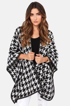 (BLACK AND WHITE) Cozy Christmas #lulus and #holidaywear - Mod Haute-er Black and Ivory Houndstooth Poncho at LuLus.com!