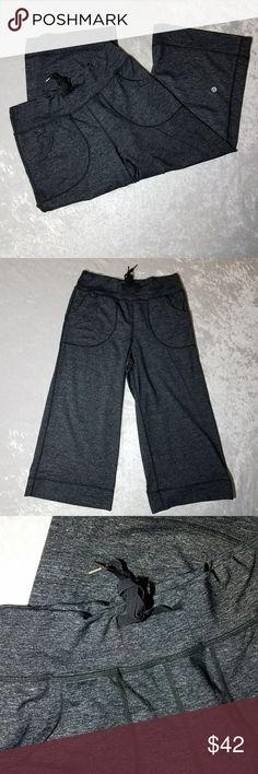 Lululemon womens cropped pants size 4 Inseam 19 inches lululemon athletica Pants Track Pants & Joggers
