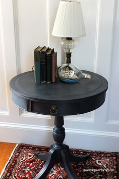 YEAH Danielle, Boston's Finest: Drum Table finished by Danielle of Finding Silver Pennies in Graphite Chalk Paint® decorative paint by Annie Sloan Chalk Paint Projects, Chalk Paint Furniture, Furniture Projects, Table Furniture, Furniture Makeover, Upcycled Furniture, Graphite Chalk Paint, Black Chalk Paint, Chalk Painting